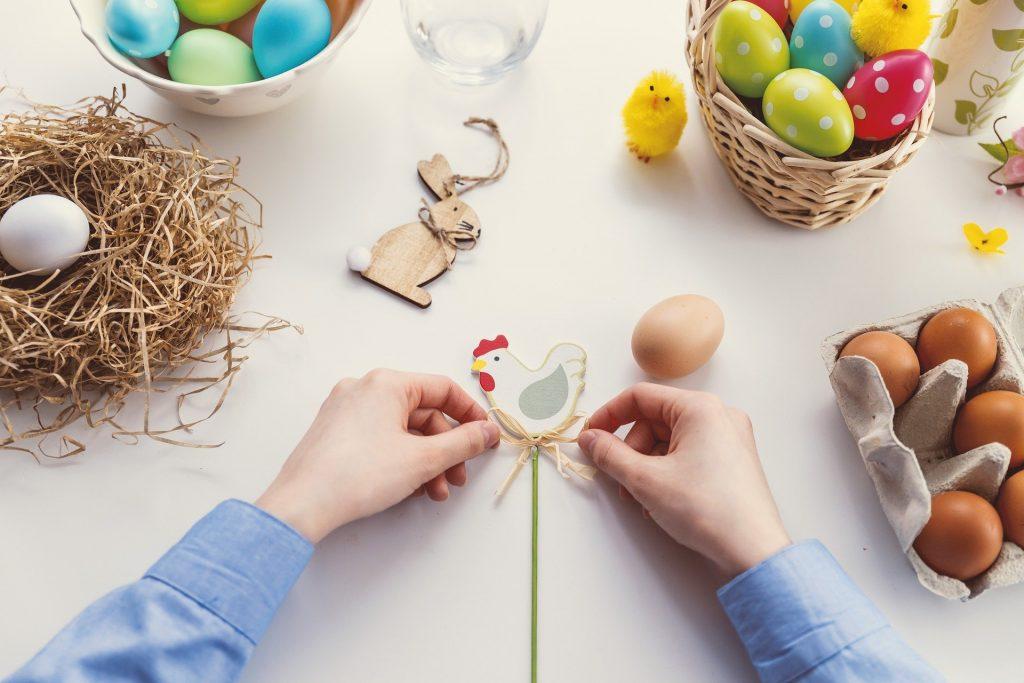 Návody na výrobu přání k Velikonocům.