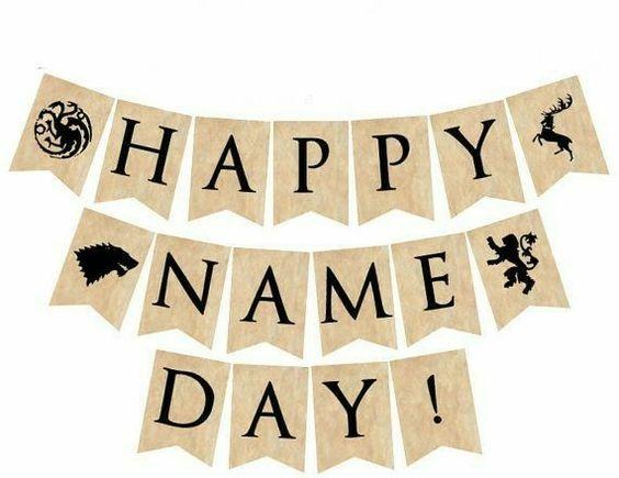 Hnědé kartičky s písmeny Happy name day!