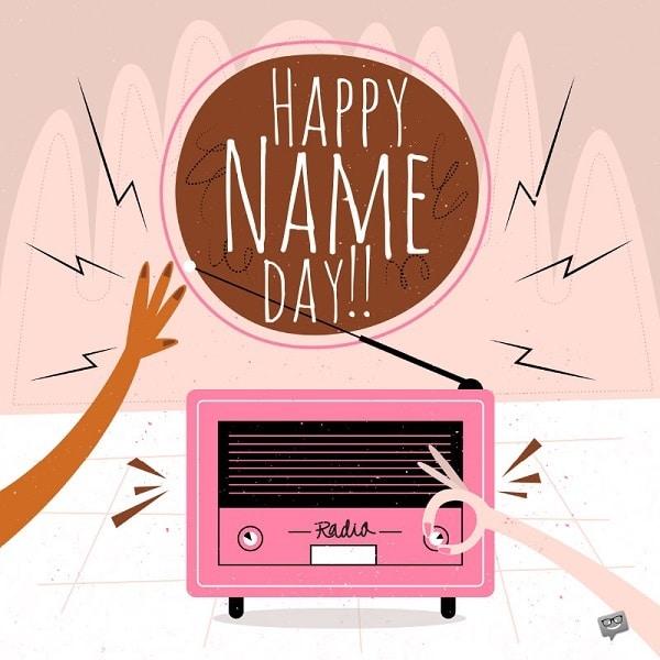 Růžové kreslené rádio s nápisem Happy name day!