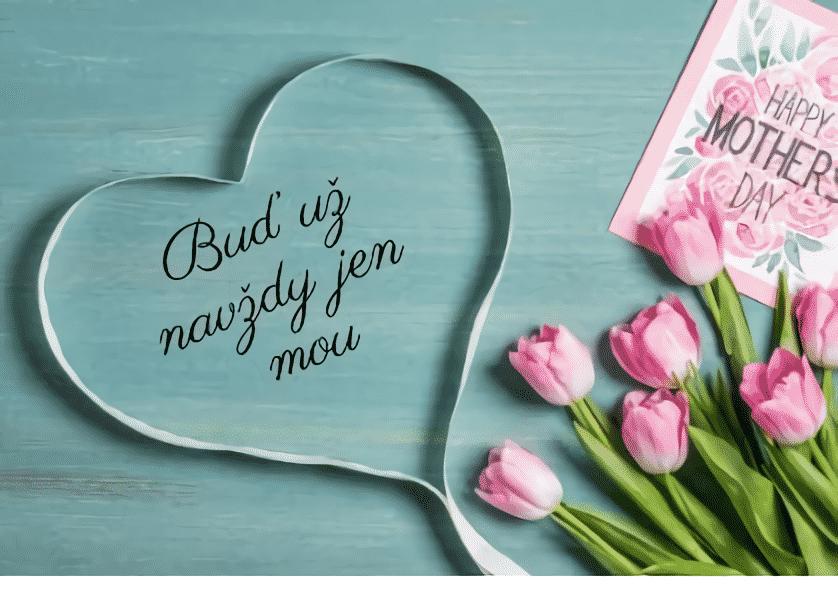 Vzkaz z lásky pro ni v srdci s růžemi.